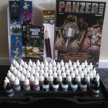 Panzer Aces Paints Suitcase (72 Colors & x3 Brushes)