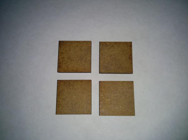 Bandua Accessories: 20mm x 20mm Bag of Bases (670)