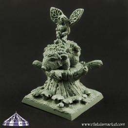 Extraordinary Fantasy Miniatures: Nature Guardian