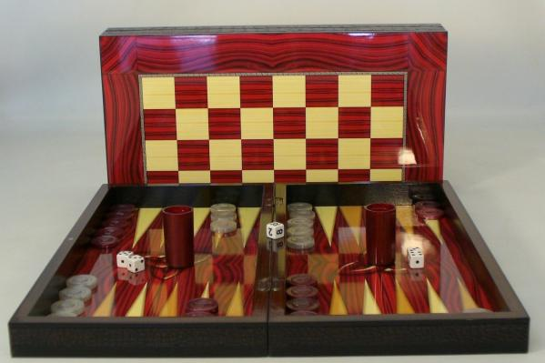 Backgammon Set: Red Grain Decoupage Backgammon (with chess board)