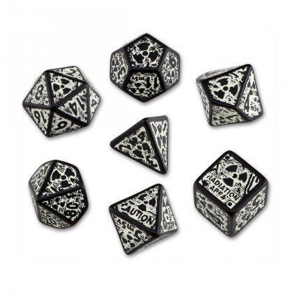 Nuke Revised Black & glow in the dark dice set (7) BOX