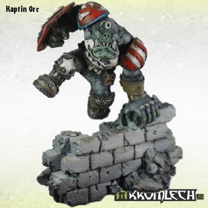 Kromlech Miniatures: 54mm Kaptin Orc (1)