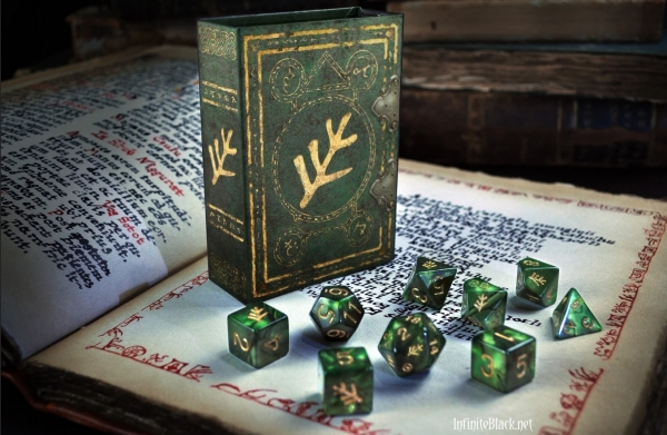 Elder Dice Set: Lovecraft Elder Sign (nine d6 in Spellbook)