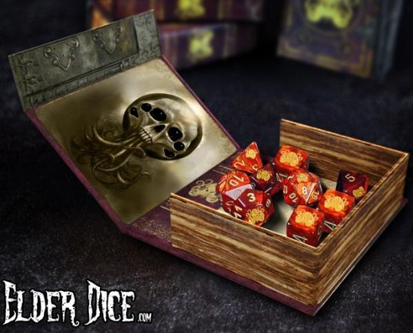 Elder Dice Set: Lovecraft Elder Sign (nine d6 in Spellbook)