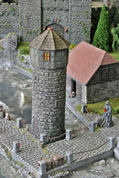 28mm Terrain: Defence Tower & half-timb. Spire (removable)