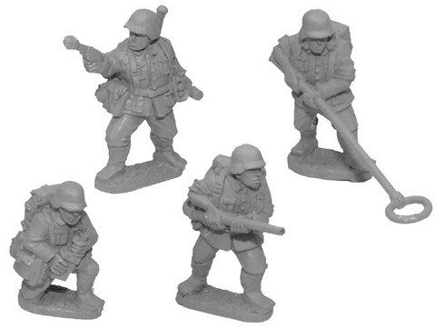Crusader Miniatures: German Assault Engineers (4)