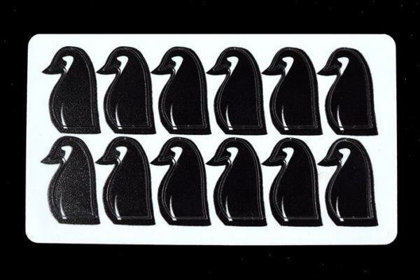 Game Accessories: Penguin Hero Tokens (12)