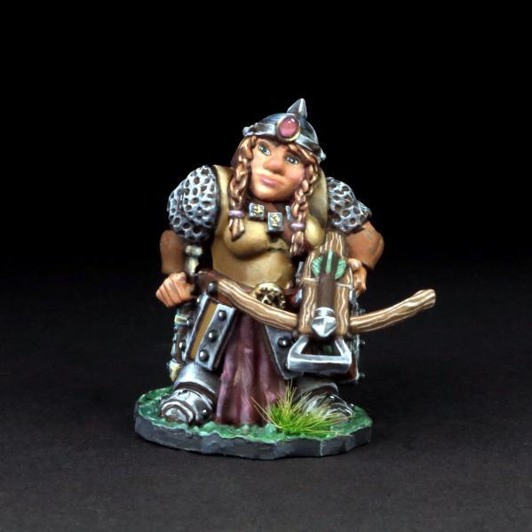 Tomb Guardians 28mm Miniatures: Dwarven Female Crossbowman - Gwendryn Brolvian