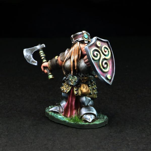 Tomb Guardians 28mm Miniatures: Dwarven Female Warrior w/Axe - Gertyn Naerris