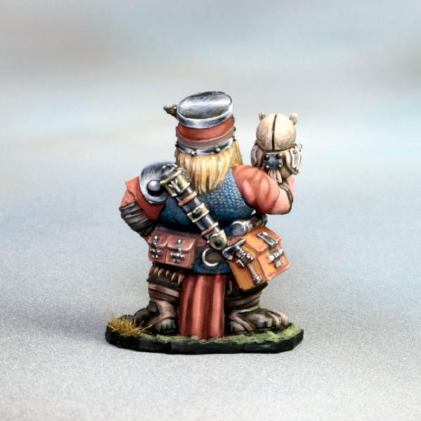 Tomb Guardians 28mm Miniatures: Dwarven Female Tinkerer - Nasla Mystra