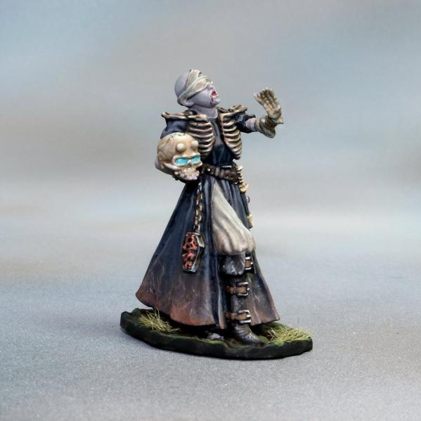 Tomb Guardians 28mm Miniatures: Vampire Female Necromancer - Nezera the Soulreaper