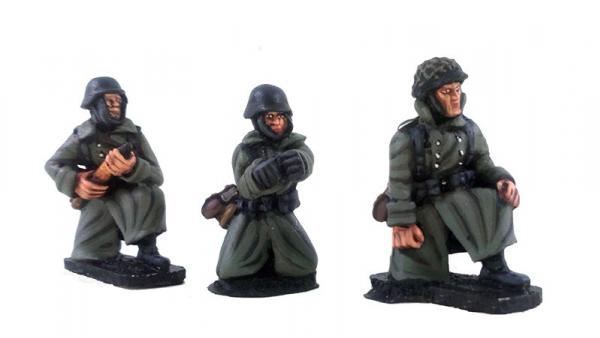 German Stalingrad Veterans Anti-tank Gun Crew – Winter Uniform