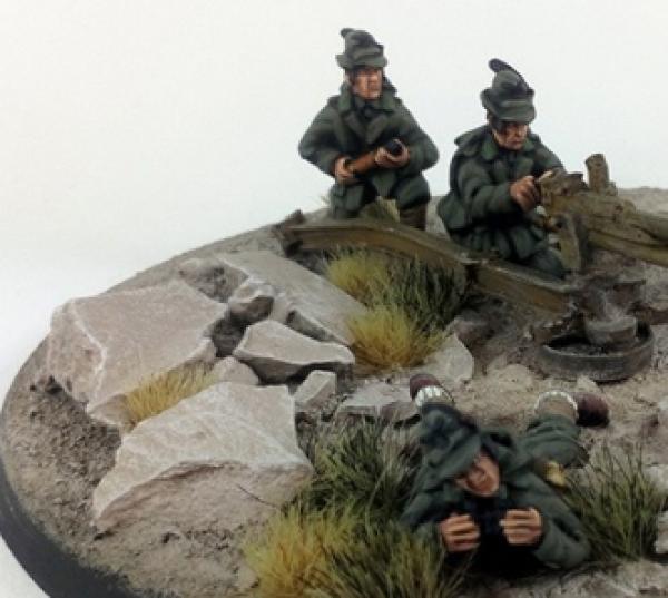 WWII: Italian Alpini Anti-tank Gun Crew – Summer Uniform