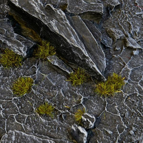 Gamer's Grass: Tiny Tufts - Dark Moss