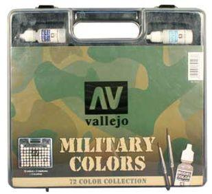 Military Paints Suitcase (72 Colors & 3 Brushes)