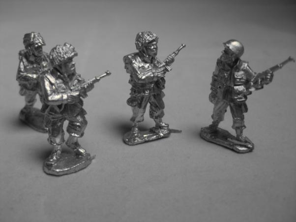 Artizan Designs WWII 28mm: US Airborne with Carbines (4)
