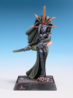 Freebooter Miniatures: Ath`Celah, Darkelf Priestess