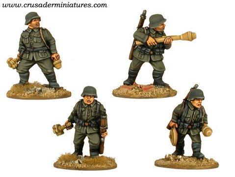 Crusader Miniatures: German Tank Hunters (4)
