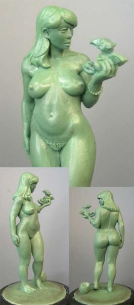 Hasslefree Miniatures: 54mm - Mary, naked female w/ dragon hatchling (54mm)