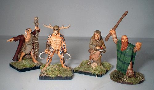 28mm Ancients - Celt Druids (4)