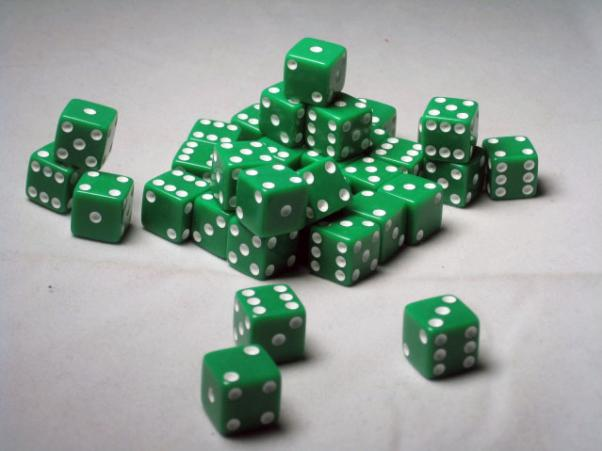 Square Cornered Dice: Green/White Opaque 12mm d6 (36)
