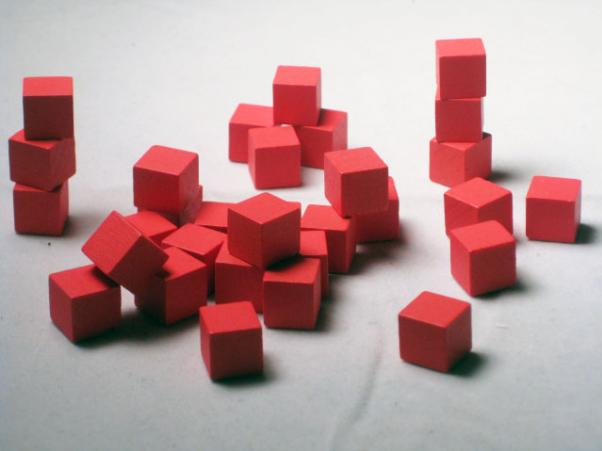 Game Accessories: 10mm Red Wooden Cube Tokens (100 Pack)