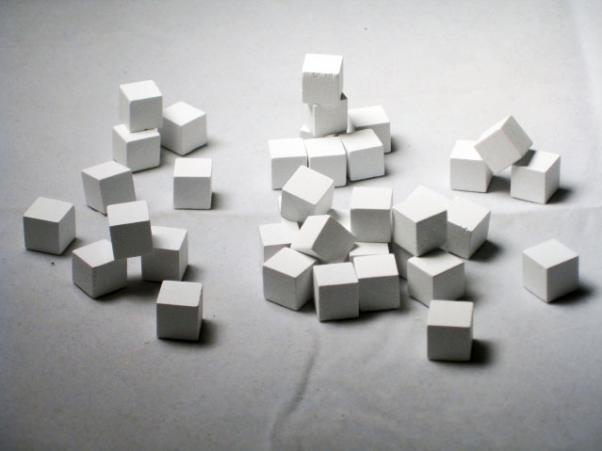 Game Accessories: 10mm White Wooden Cube Tokens (100 Pack)