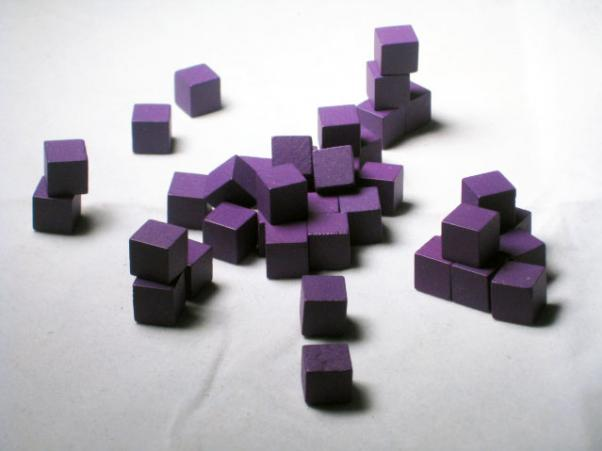 Game Accessories: 10mm Purple Wooden Cube Tokens (100 Pack)