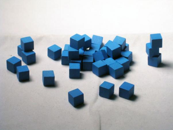 Game Accessories: 8mm Blue Wooden Cube Tokens (100 Pack)