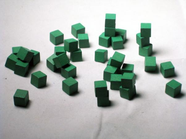 Game Accessories: 8mm Green Wooden Cube Tokens (100 Pack)