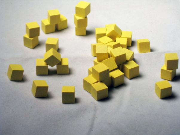 Game Accessories: 8mm Yellow Wooden Cube Tokens (100 Pack)