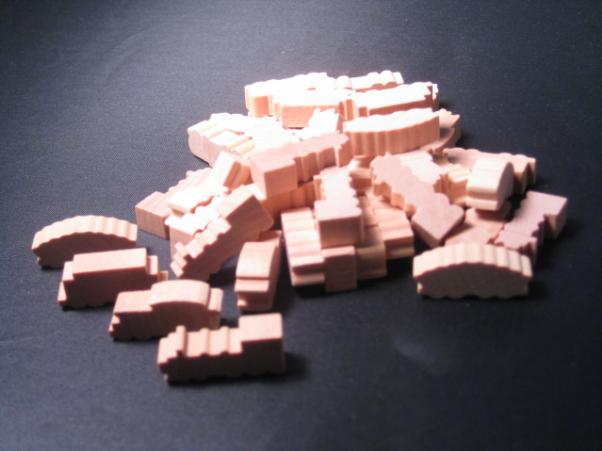 Game Accessories: Natural Wooden Train Token Set (50 Pack)