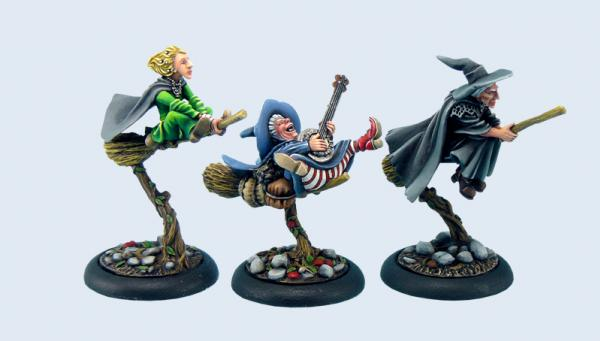 28mm Discworld Miniatures: Three Witches on brooms (3)