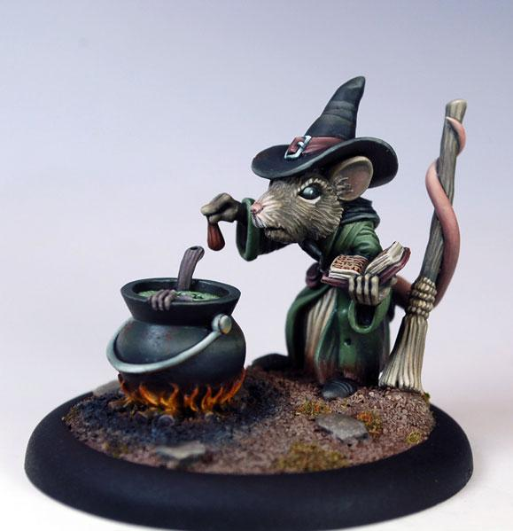 Critter Kingdoms: Female Mouse Witch w/Cauldron