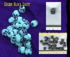 Glow-in-the-dark Dark Skull Counters (25)