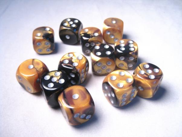 Chessex Dice Sets: Gemini # 6 16mm d6 Black-Gold/Silver (12)